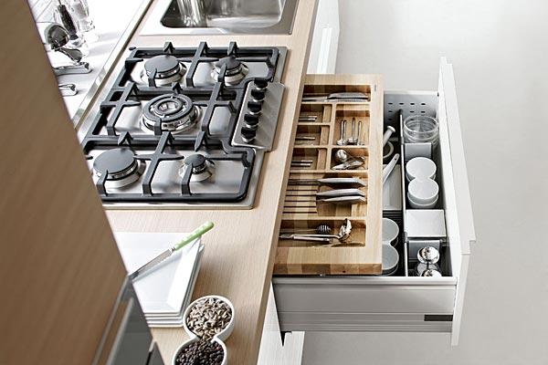 Vendita cappe da cucina mensole luminose fornelli for Accessori da parete per cucina