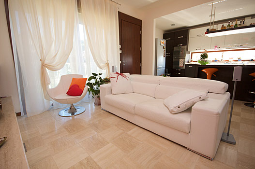 Arredamento moderno idee foto e prezzi collezione 2009 for Arredamento sala moderno